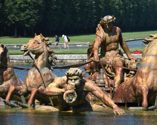 Le Char d'Apollon Fountain